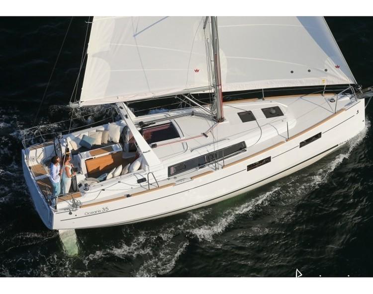 Slider 16438880246000172 oceanis35 navigation2