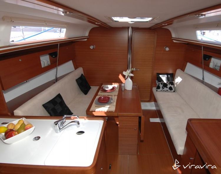 Slider 882310640000100863 interior3